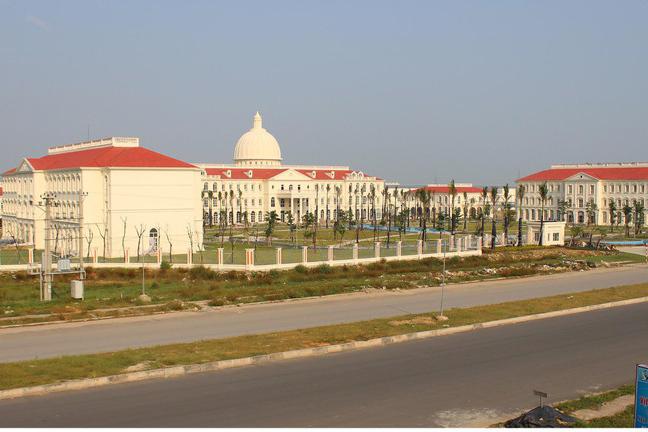 Bắt Bí thư xã và cán bộ Trung tâm phát triển quỹ đất ở Quảng Ninh