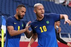 Richarlison lập cú đúp, Brazil vào tứ kết với ngôi đầu bảng