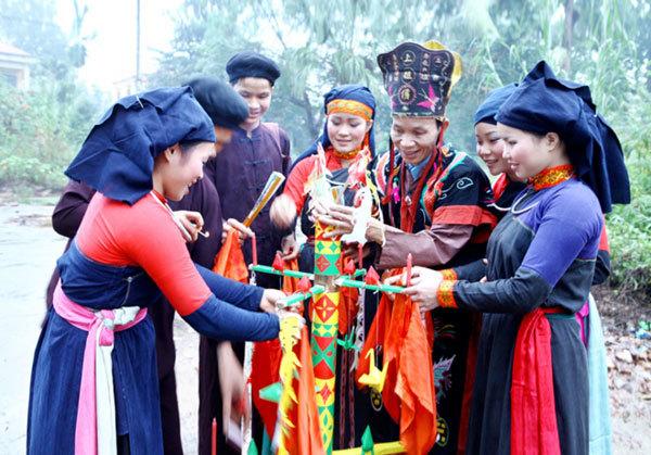 Vietnam ethnic groups,traditional costumes