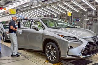 Toyota tạm dừng sản xuất tại 2 nhà máy do Covid-19