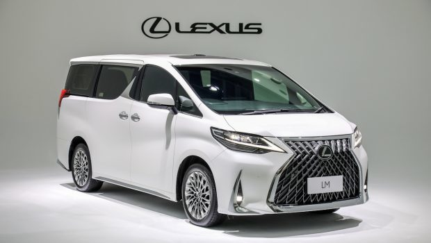 xe-sang-Lexus-LM-350-co-gia-6.8-8.2-ty-dong