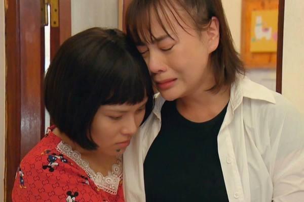 Ánh Tuyết vai Diệp 'Hương vị tình thân' bật khóc khi bị cắt vai