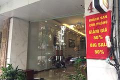 Nhà có người cách ly, đi thuê khách sạn ở lúc Hà Nội giãn cách được không?