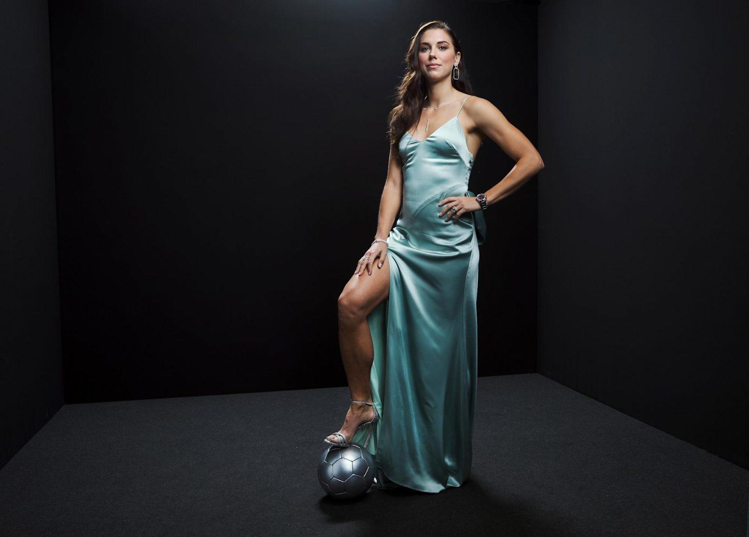 Nữ tiền đạo xinh đẹp hớp hồn phái mạnh tại Olympic Tokyo