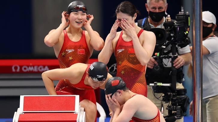 Khó tin: 3 đội bơi cùng phá kỷ lục Olympic và thế giới ở 1 nội dung