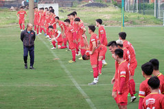 Football: Coach Park Hang-seo returns to Vietnam to prepare for new missions
