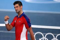 Vùi dập niềm hi vọng chủ nhà, Djokovic vào bán kết Olympic