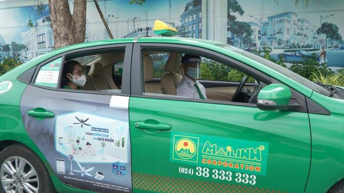 50 taxi được đưa đón khách ở sân bay Nội Bài