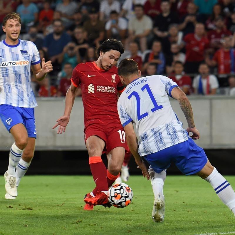Liverpool thua thảm ngày Van Dijk tái xuất