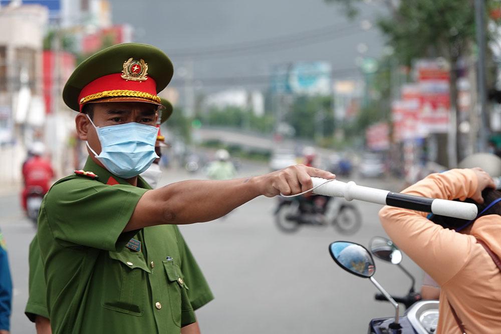 Chủ tịch TP Cần Thơ chấn chỉnh việc lơ là chống dịch ở địa phương