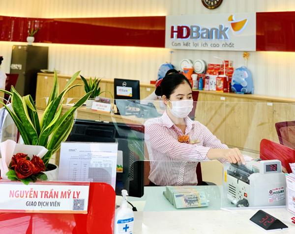 HDBank hoàn thành 58% kế hoạch năm, thu nhập dịch vụ tăng mạnh
