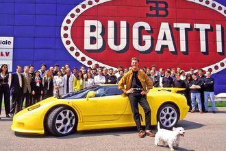 Siêu xe Bugatti cũ của tay đua lừng danh thế giới ngập trong nước lũ ở Đức