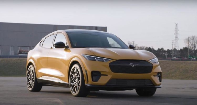 xe-suv-chay-dien-Ford-Mustang-Mach-E