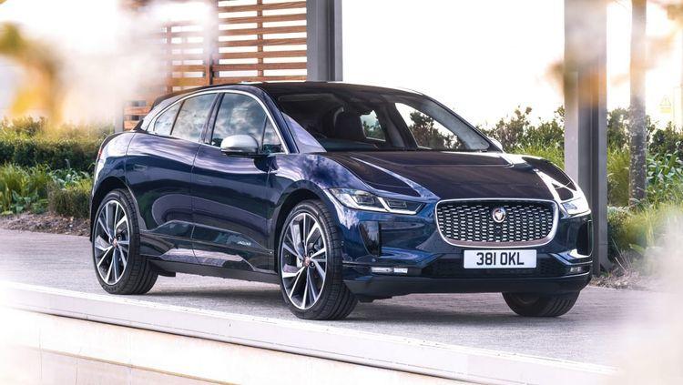 xe-suv-Jaguar-i-Pace-chay-dien