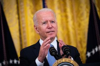 Ông Biden 'mạnh tay' với những người Mỹ ngại vắc xin Covid-19