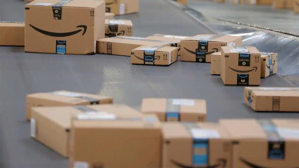 Doanh số bán hàng của Amazon gây thất vọng trước khi Bezos rời ghế CEO