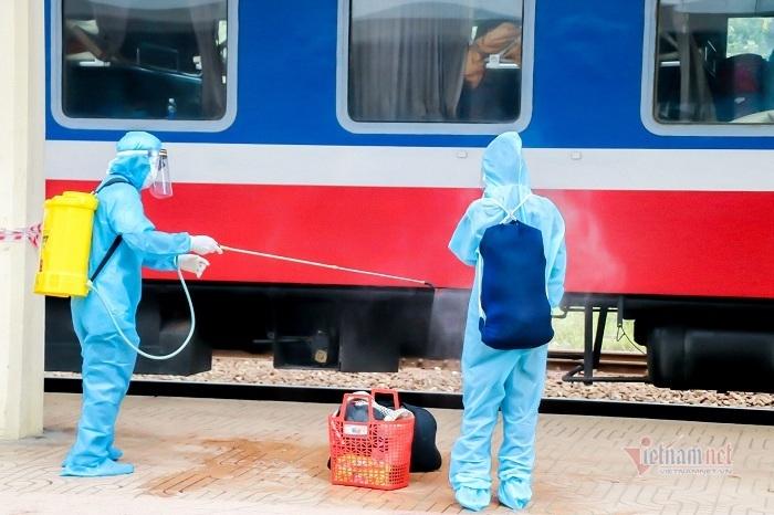 371 người dân được đón từ TP.HCM về TT-Huế bằng vé tàu 0 đồng