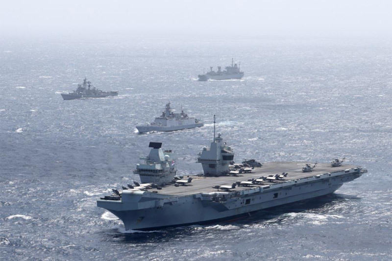 Trung Quốc dọa trả đũa tàu chiến Anh đi qua Biển Đông