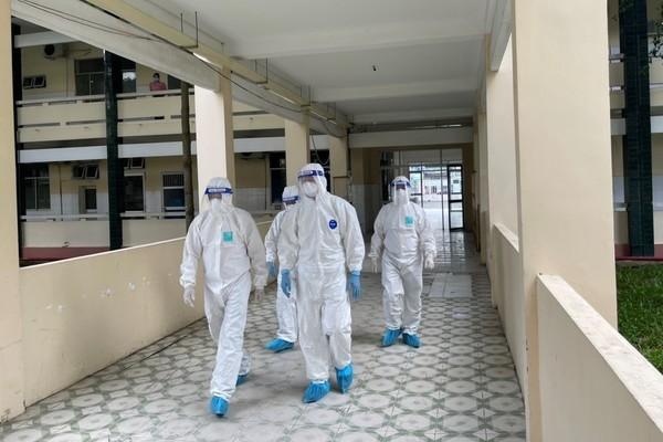 Bộ Y tế điều thêm 2 tổ công tác hỗ trợ 12 tỉnh miền Tây Nam Bộ chống Covid-19