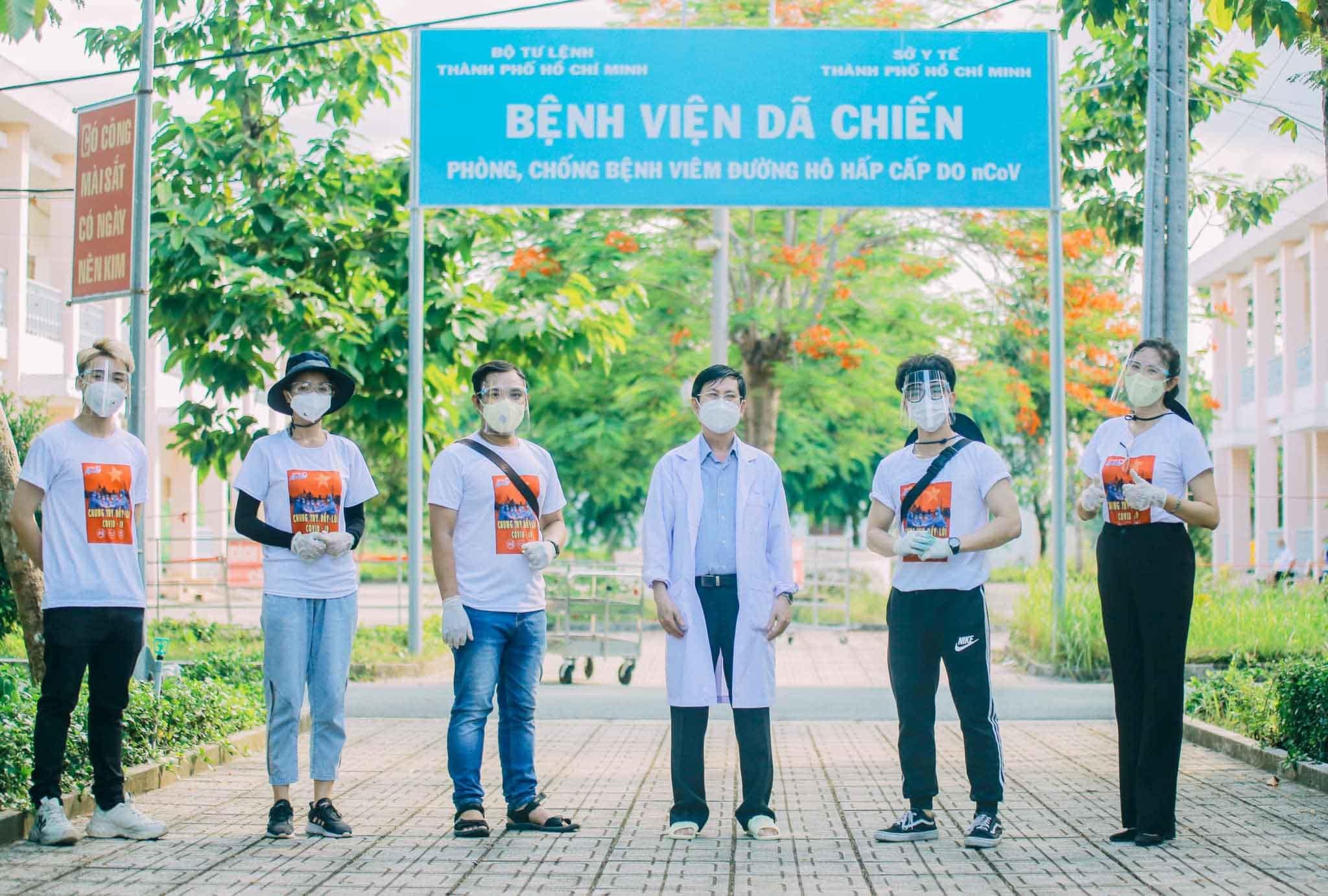 MC Quỳnh Hoa: 'Chồng đứng hình khi biết tôi dám vào tâm dịch'