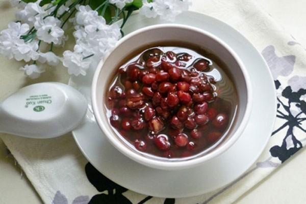 {Cách nấu chè đậu đỏ thơm ngon, nhanh mềm tại nhà}