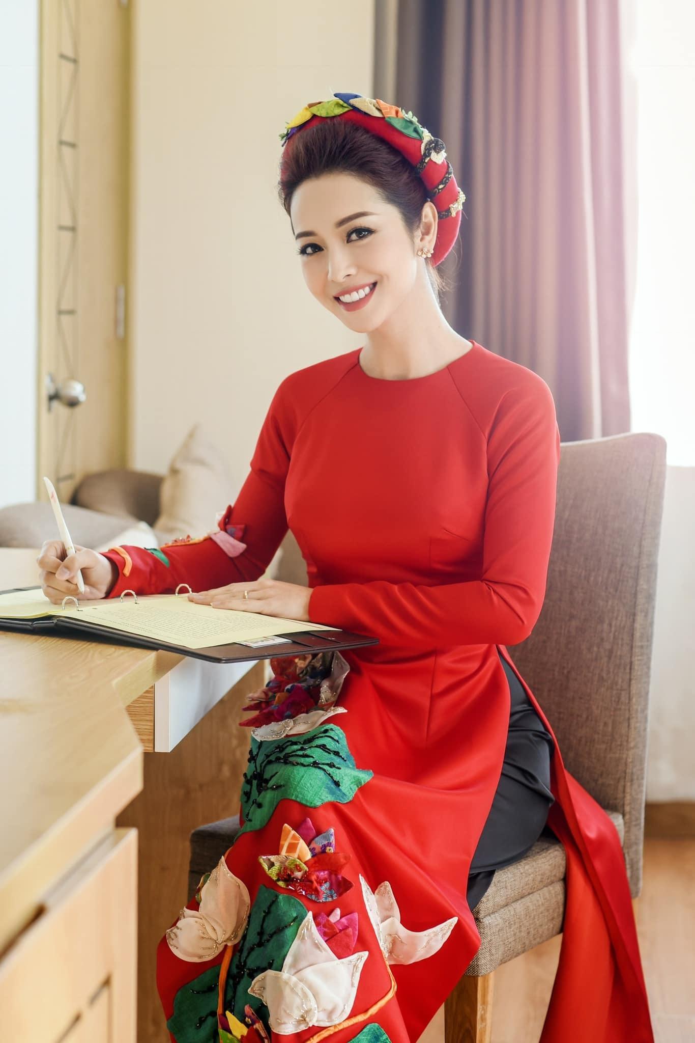 Thanh Lam tình tứ tựa vai bạn trai bác sĩ