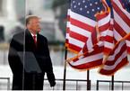 Ông Trump hứng 'đòn tấn công' kép