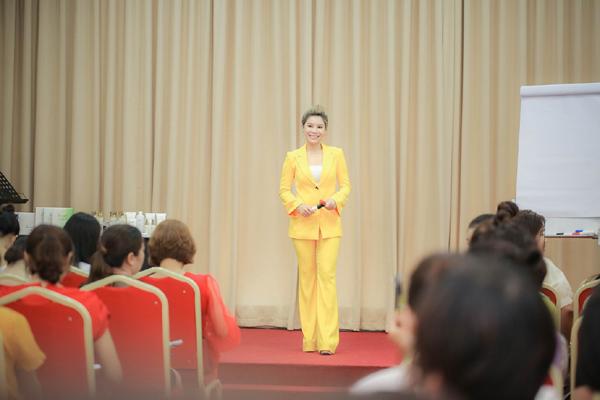 Nữ doanh nhân vì đam mê làm đẹp mà kinh doanh mỹ phẩm