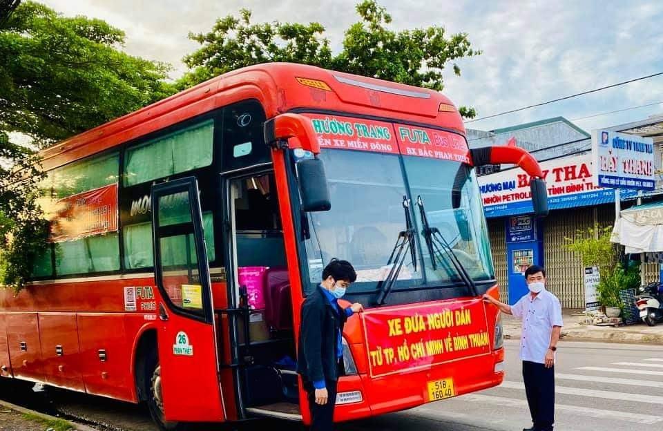 Bình Thuận đưa 200 người từ TP.HCM về quê khiến người dân xúc động