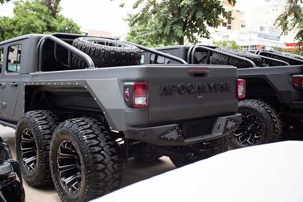 Dàn 'quái thú' Jeep Gladiator độ 6 bánh, dân offroad phát mê