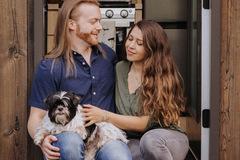 Cặp vợ chồng Mỹ sống tách biệt trong rừng sâu