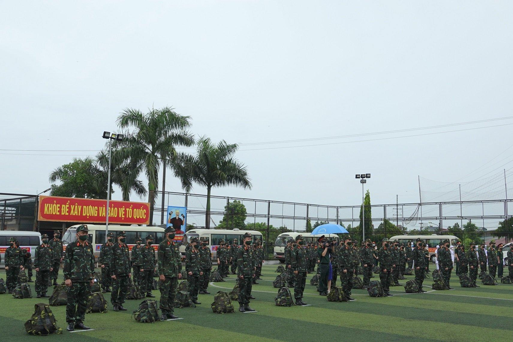 Bộ trưởng Quốc phòng: Toàn quân quyết liệt, ngăn chặn dịch Covid-19