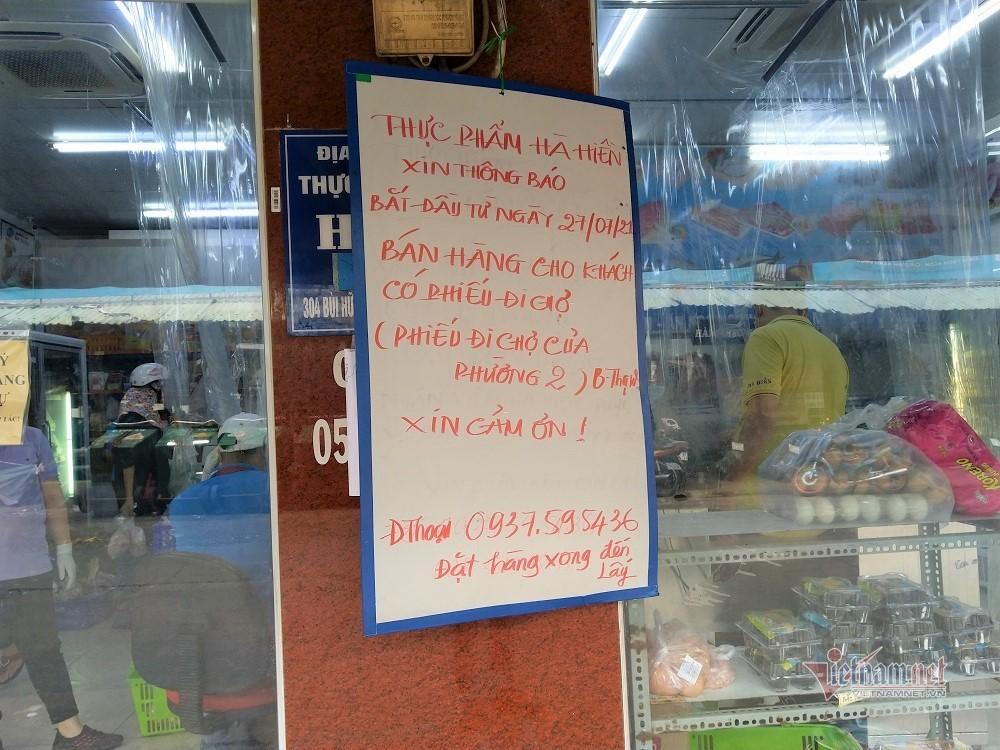 Chợ đóng cửa, nỗi lo khi siêu thị xuất hiện F0