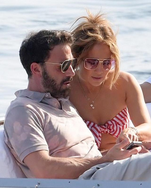 Đường tình lận đận của 'bom sex' Jennifer Lopez