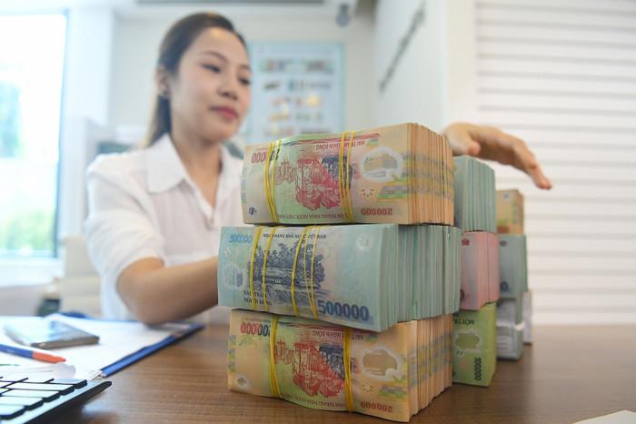 Tham lãi nghìn tỷ, ngân hàng giảm lãi suất nhỏ giọt