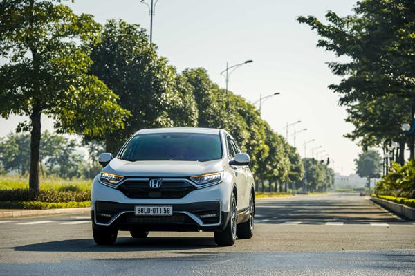 Ưu đãi 100% lệ phí trước bạ khi mua Honda CR-V tháng 8