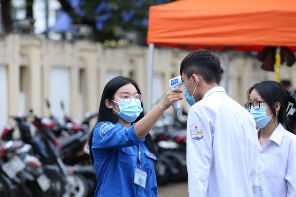 13 thí sinh Hà Tĩnh ra Bắc Giang để thi tốt nghiệp đợt 2