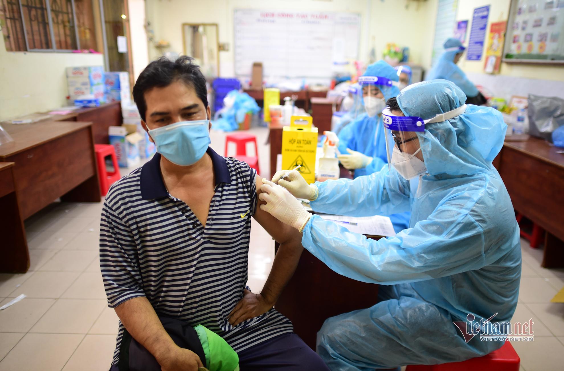 TP.HCM phản hồi việc Hải Phòng mượn nửa triệu liều vắc xin Sinopharm