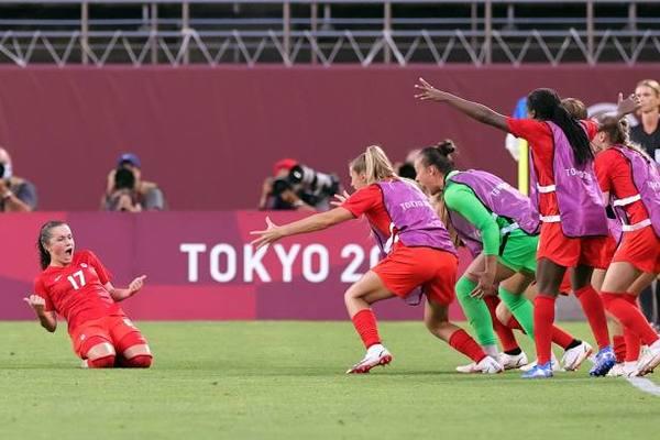 Canada hạ Mỹ, vào chung kết bóng đá nữ Olympic Tokyo