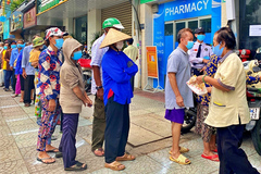 Mặt trận Tổ quốc Việt Nam hỗ trợ 17 tỉnh miền Nam 1,7 triệu suất ăn