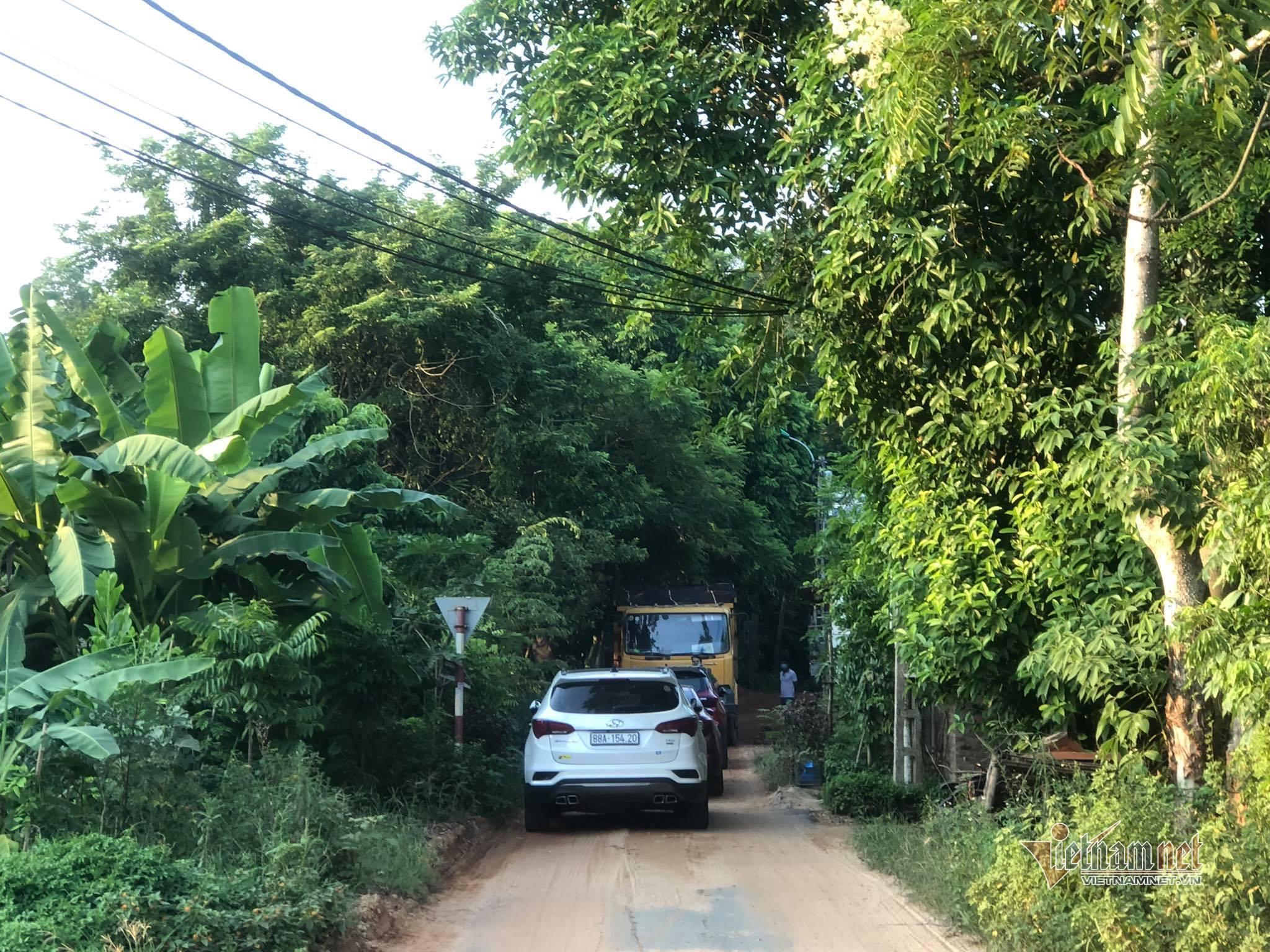 Công an bắt vụ khai thác đất trái phép quy mô lớn giữa dịch Covid-19 ở Vĩnh Phúc