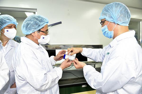Nỗ lực sản xuất vắc xin thương hiệu Việt Nam