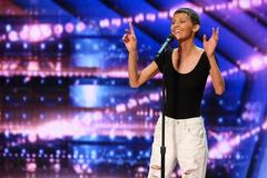 Giọng ca bị ung thư rút khỏi America's Got Talent vì bệnh trở nặng