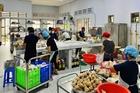 Nhóm bếp Từ Tâm nấu 4.000 suất cơm chống dịch  mỗi ngày