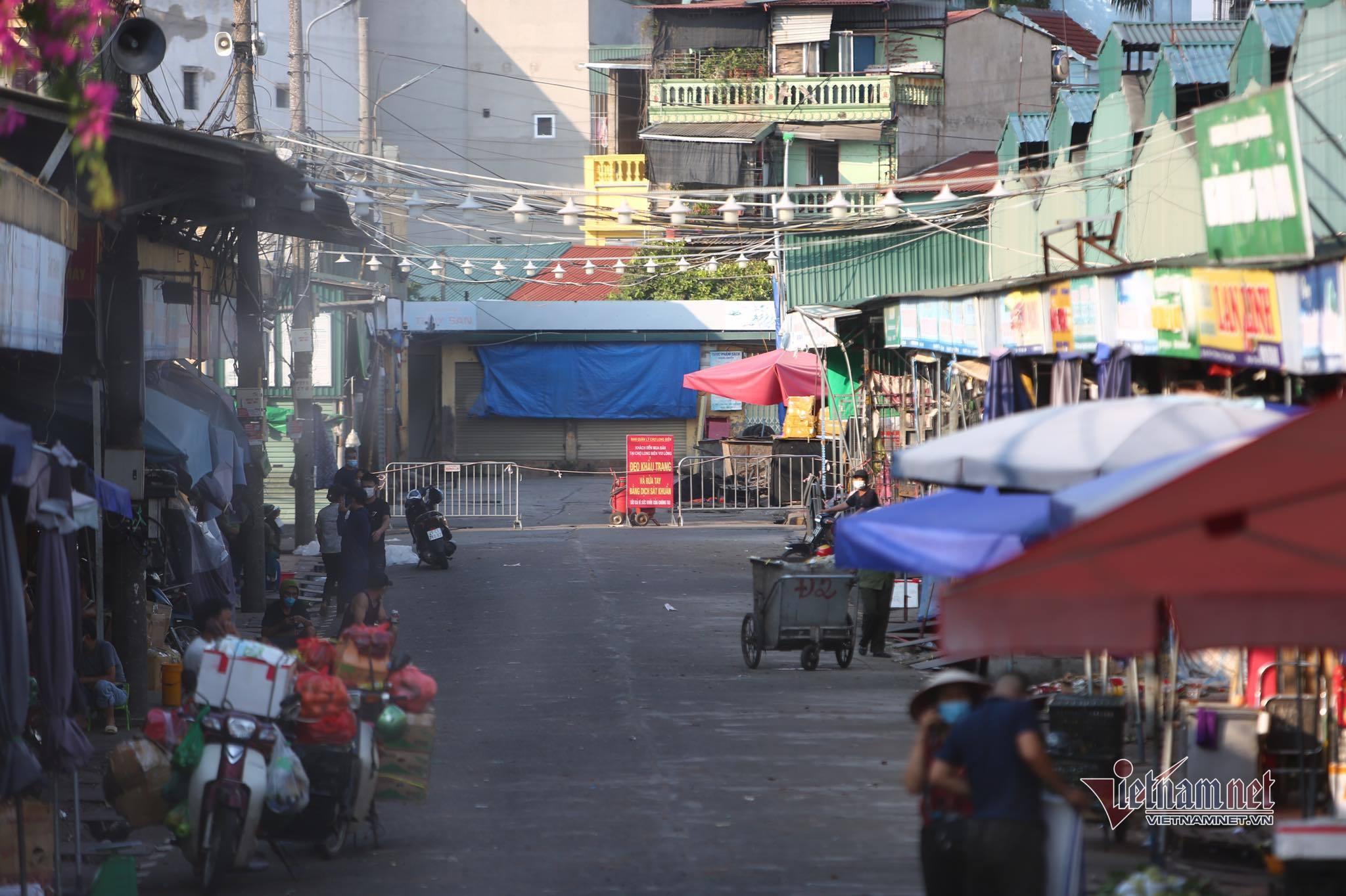 Phong tỏa, tạm ngừng kinh doanh chợ Long Biên vì có thêm ca Covid-19