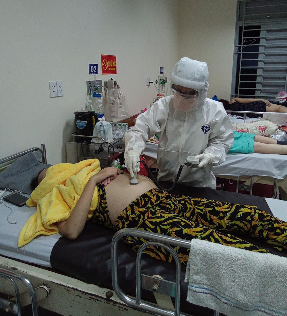 Nữ điều dưỡng gửi con nhỏ, vào TP.HCM chống dịch: 'Tuổi trẻ phải cống hiến'