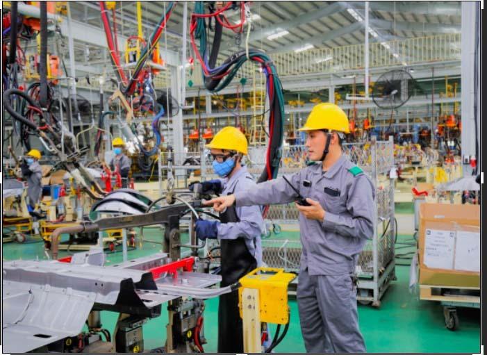 Những người thợ hàn nhà máy Thaco Kia: Chuyên nghiệp, sáng tạo