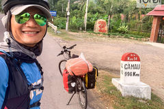 Man takes 60-day bicycle trip to raise funds for audio books
