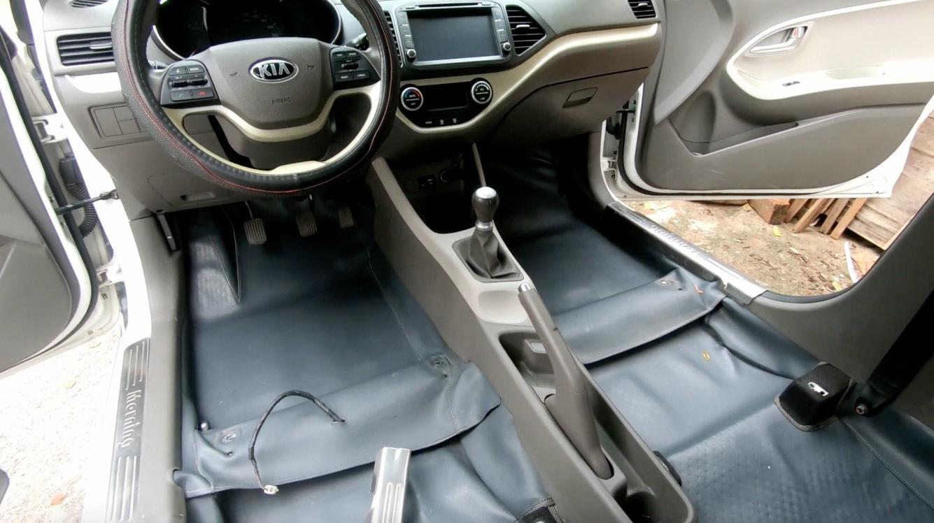 Rảnh rỗi mùa dịch, có nên tháo tung ô tô để tự vệ sinh?