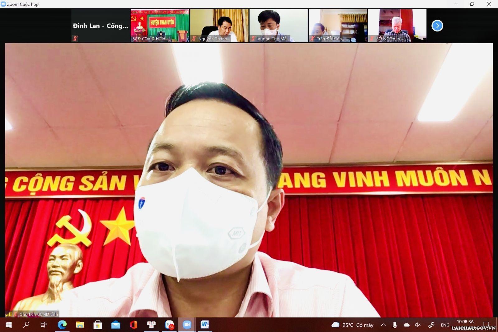 Lai Châu: Tập huấn kỹ năng tự lấy mẫu xét nghiệm Covid-19 cho người dân
